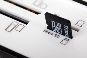 Como colocar música em cartões microSD?