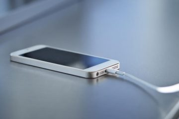 Como carregar o celular evitando danos à bateria?