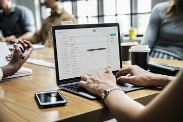 Como redigir um email de acompanhamento para uma entrevista de emprego