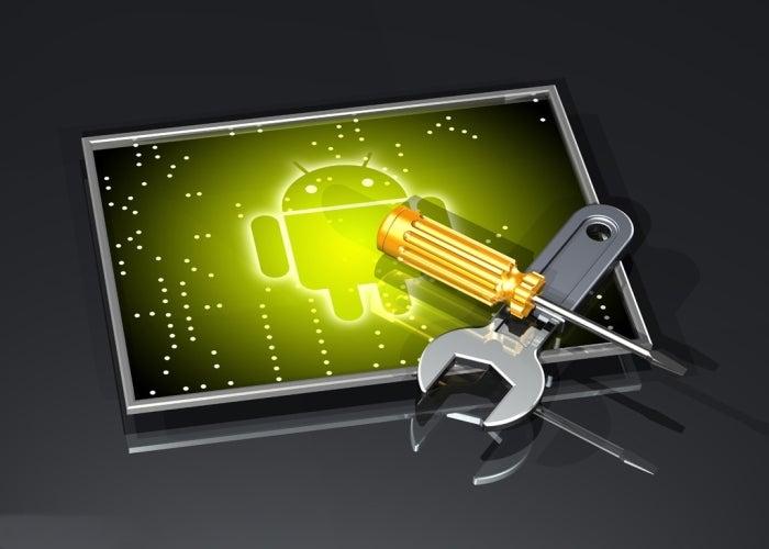 Ilustração 3d de uma grande chave inglesa e chave de fenda em uma cruz por cima de um logotipo verde do Google Android emoldurado