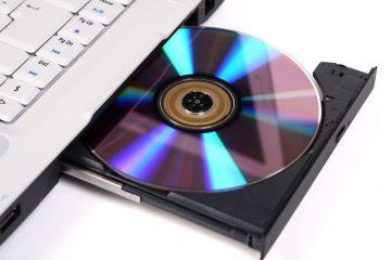 Se o seu laptop não tiver um DVD player, você poderá resolvê-lo desta maneira