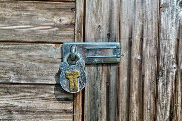 Proteja sua identidade virtual com Latch